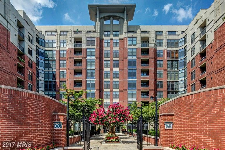 clarendon 1021 condos for sale
