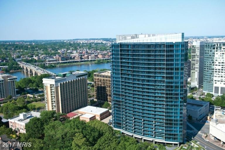 turnberry tower condos for sale